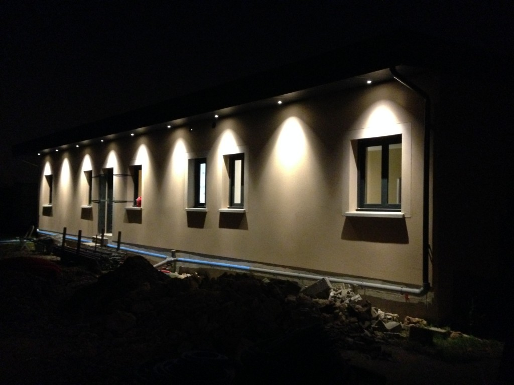 Construction marles en brie pavillon 6 pi ces ramon for Eclairage exterieur maison led